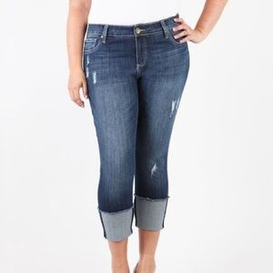 NWT Kut from the Kloth Cameron Wide-Cuff plus jean